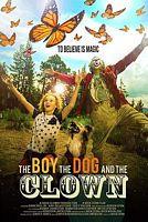 男孩,狗和小丑